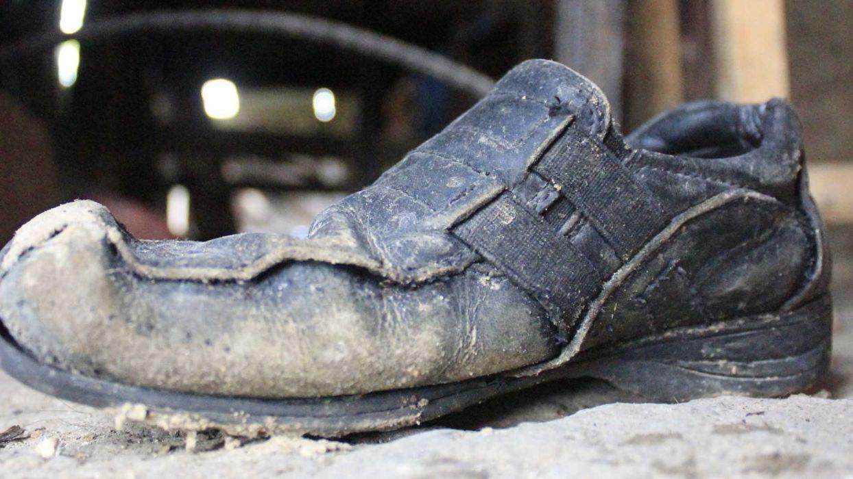 zapato viejo roto sucio wallpaper