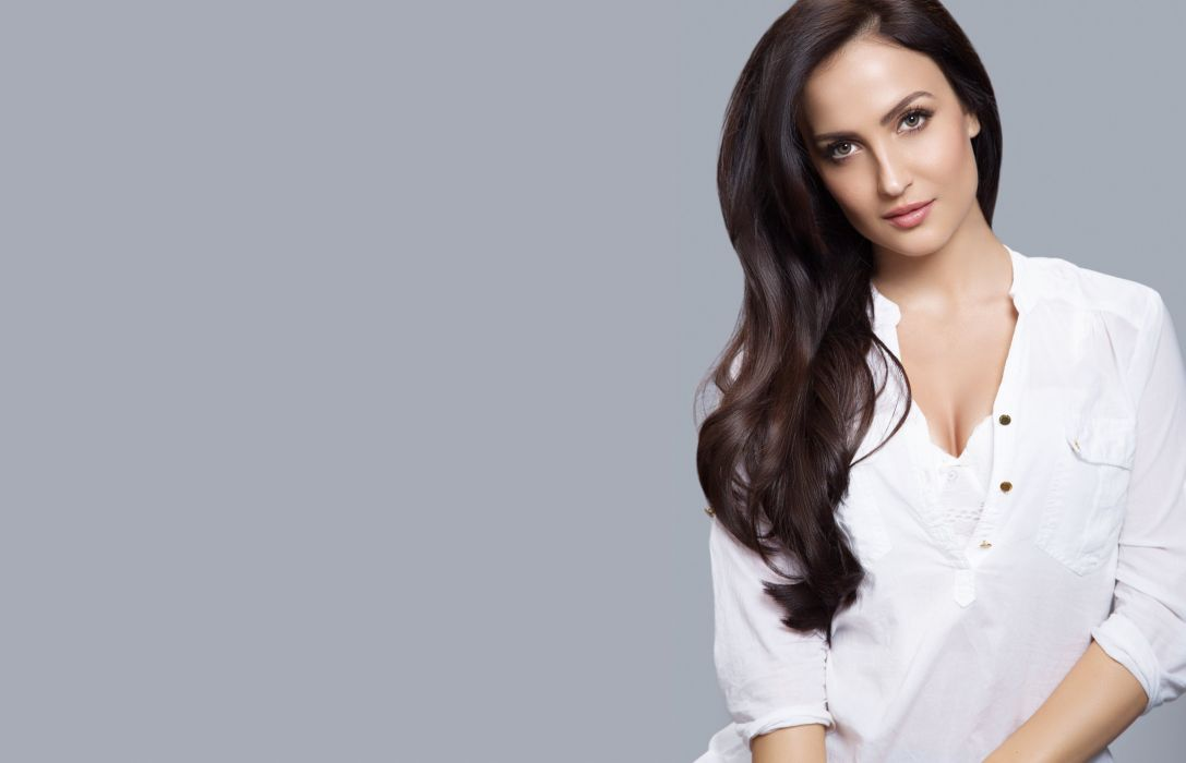 elli avram bollywood actress celebrity model girl beautiful brunette pretty cute beauty sexy hot pose face eyes hair lips smile figure indian wallpaper