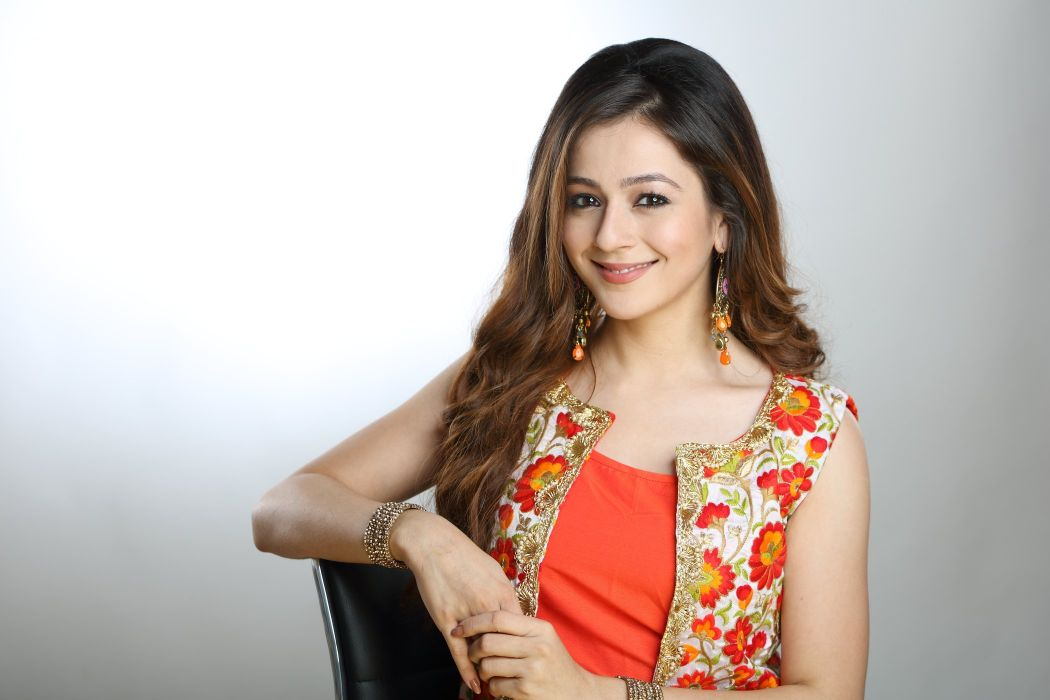 Priyal-Gor bollywood actress model girl beautiful brunette pretty cute beauty sexy hot pose face eyes hair lips smile figure indian  wallpaper