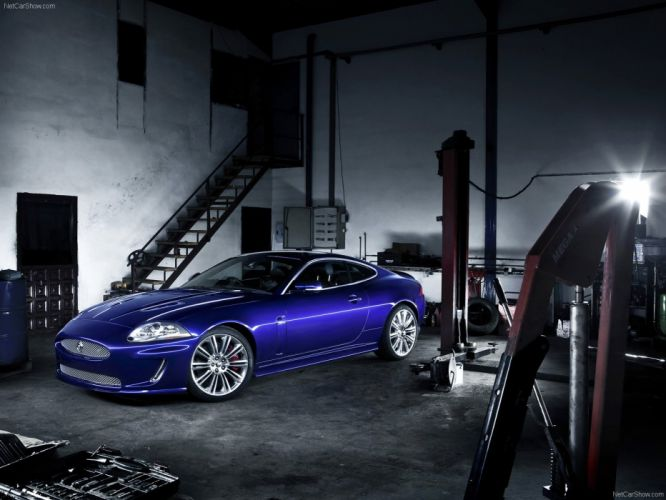 Jaguar XKR 2011 wallpaper