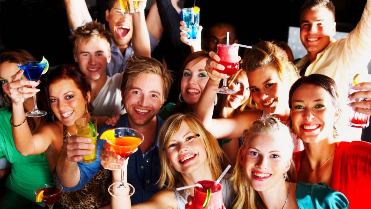 gente bebiendo fiesta baile wallpaper