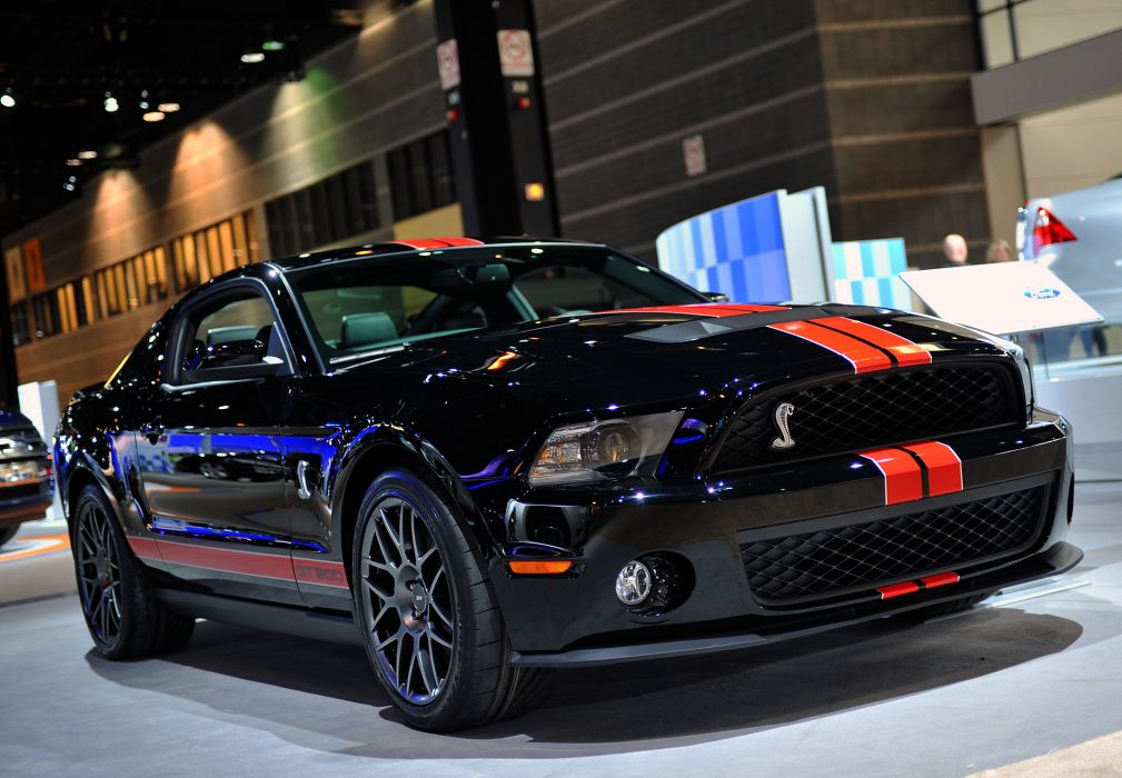 ford-shelby-gt500-2011 wallpaper