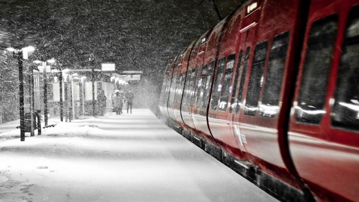 train train station winter snow beautiful weather the positive the snowstorm  wallpaper