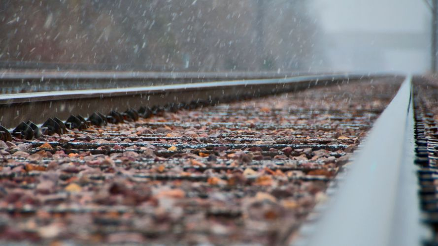 focus railway snow metal wallpaper