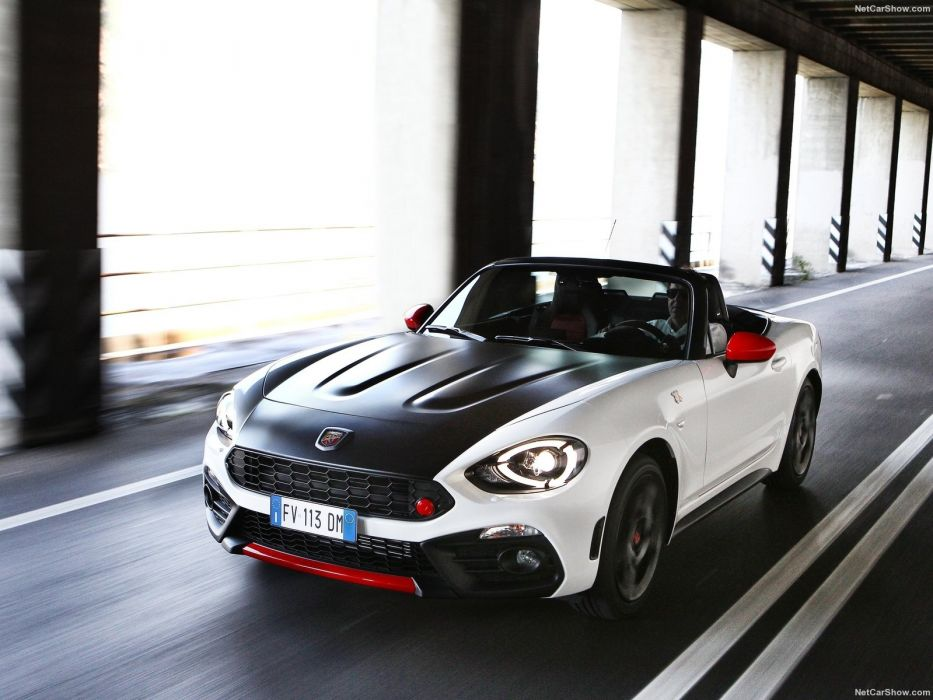 Fiat 124 Spider Abarth 2017  wallpaper