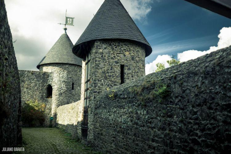 Nurburgring Nordschleife Castle wallpaper