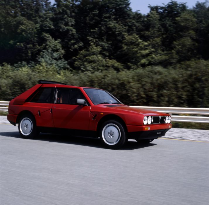 Lancia Delta S4 Road Car wallpaper