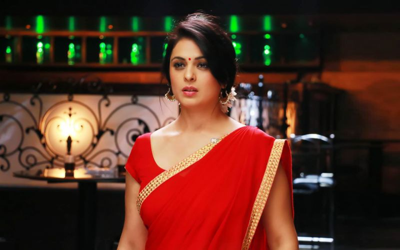 Anjana Sukhani bollywood actress model girl beautiful brunette pretty cute beauty sexy hot pose face eyes hair lips smile figure indian wallpaper