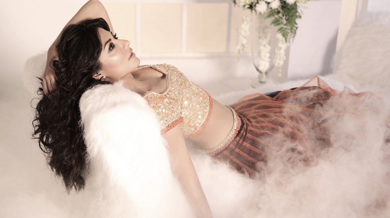 chitrangada singh bollywood actress model girl beautiful brunette pretty cute beauty sexy hot pose face eyes hair lips smile figure indian wallpaper