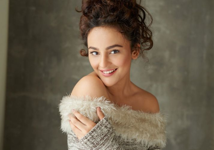 Seerat Kapoor bollywood actress model girl beautiful brunette pretty cute beauty sexy hot pose face eyes hair lips smile figure indian wallpaper