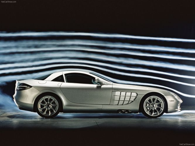 Mercedes-Benz SLR McLaren 2004 wallpaper