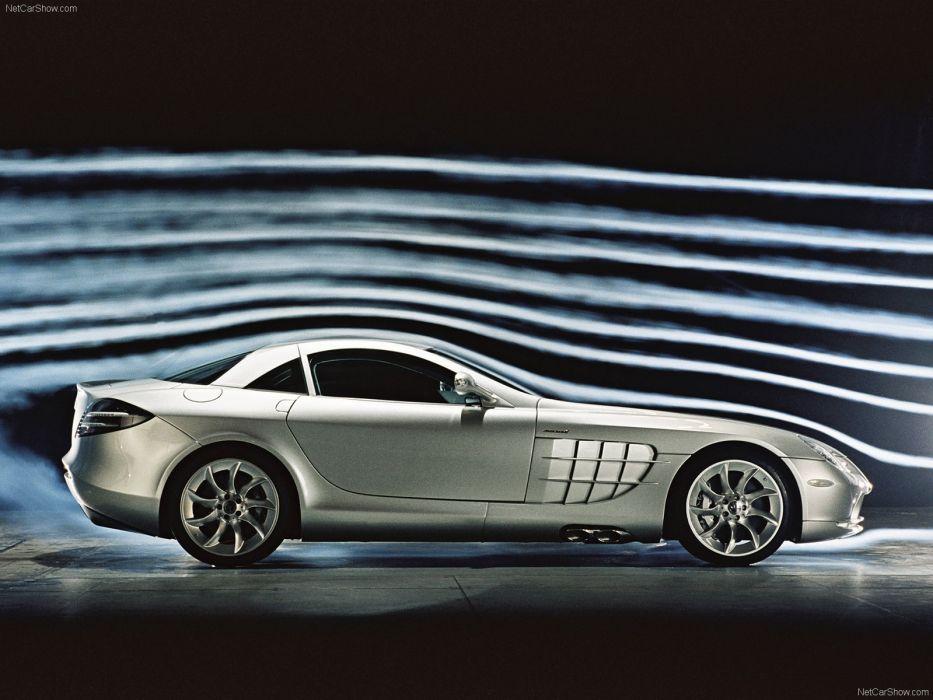 Mercedes-Benz SLR McLaren 2004 wallpaper