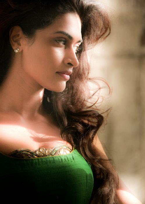 Actress-Salony-Luthra-Stills-15 wallpaper