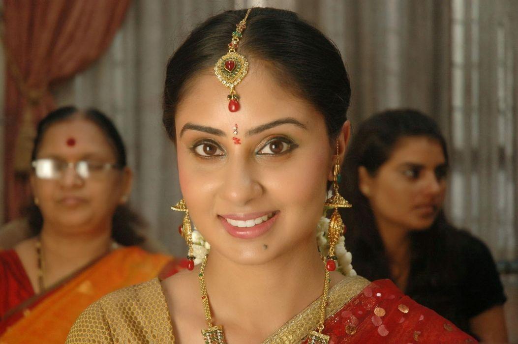 bhanushree mehra trad smile wallpaper