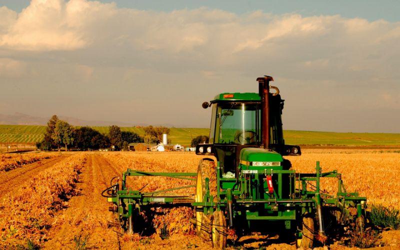 tractor cultivando trabajo wallpaper