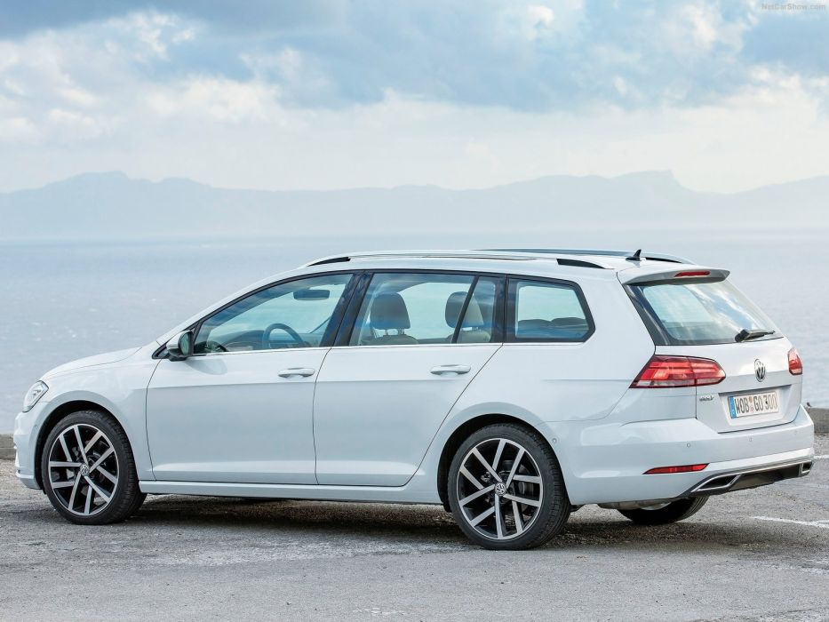 Volkswagen Golf Variant 2017 wallpaper