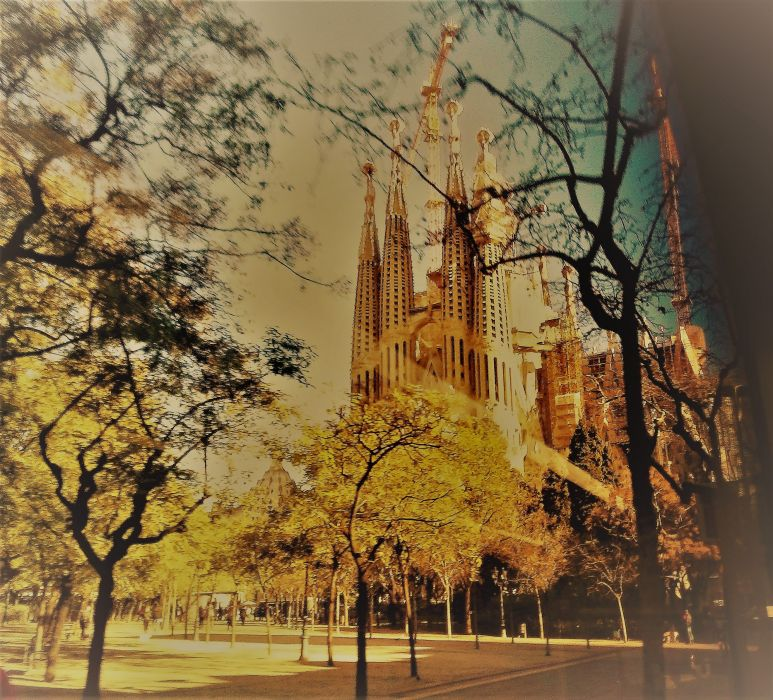 The Sagrada Familia wallpaper