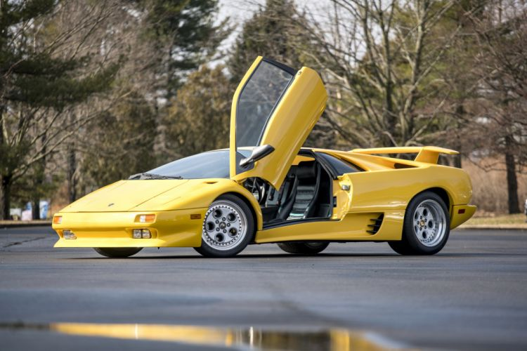 Lamborghini Diablo cars supercars yellow 1990 wallpaper