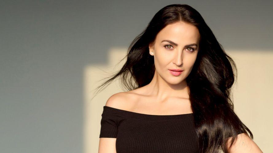 Elli Avram bollywood actress model girl beautiful brunette pretty cute beauty sexy hot pose face eyes hair lips smile figure indian wallpaper