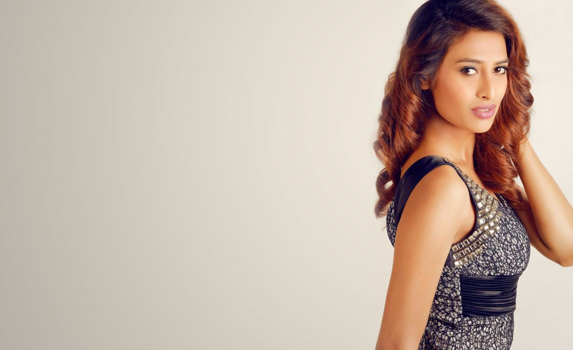 Nazneen Shaikh bollywood actress model girl beautiful brunette pretty cute beauty sexy hot pose face eyes hair lips smile figure indian wallpaper