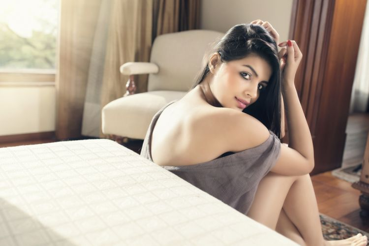 sonali raut bollywood actress model girl beautiful brunette pretty cute beauty sexy hot pose face eyes hair lips smile figure indian wallpaper