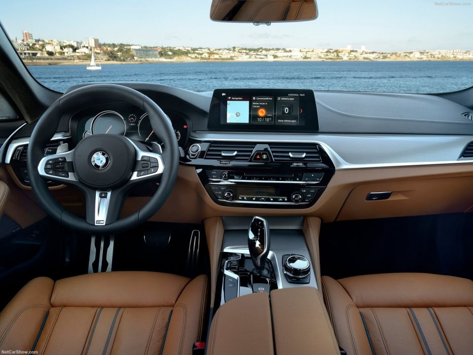 BMW 5 Series G30 2017 wallpaper