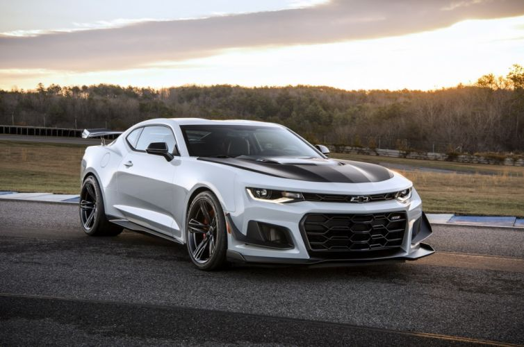 2018 Chevrolet Camaro ZL1 1LE wallpaper