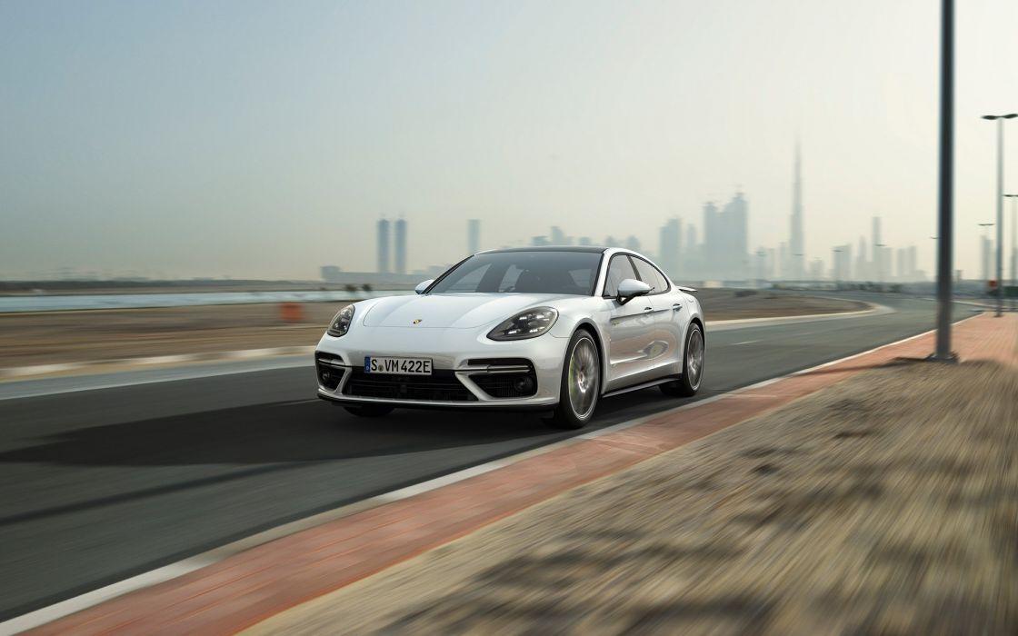Porsche Panamera Turbo S E-Hybrid Executive 2018 wallpaper