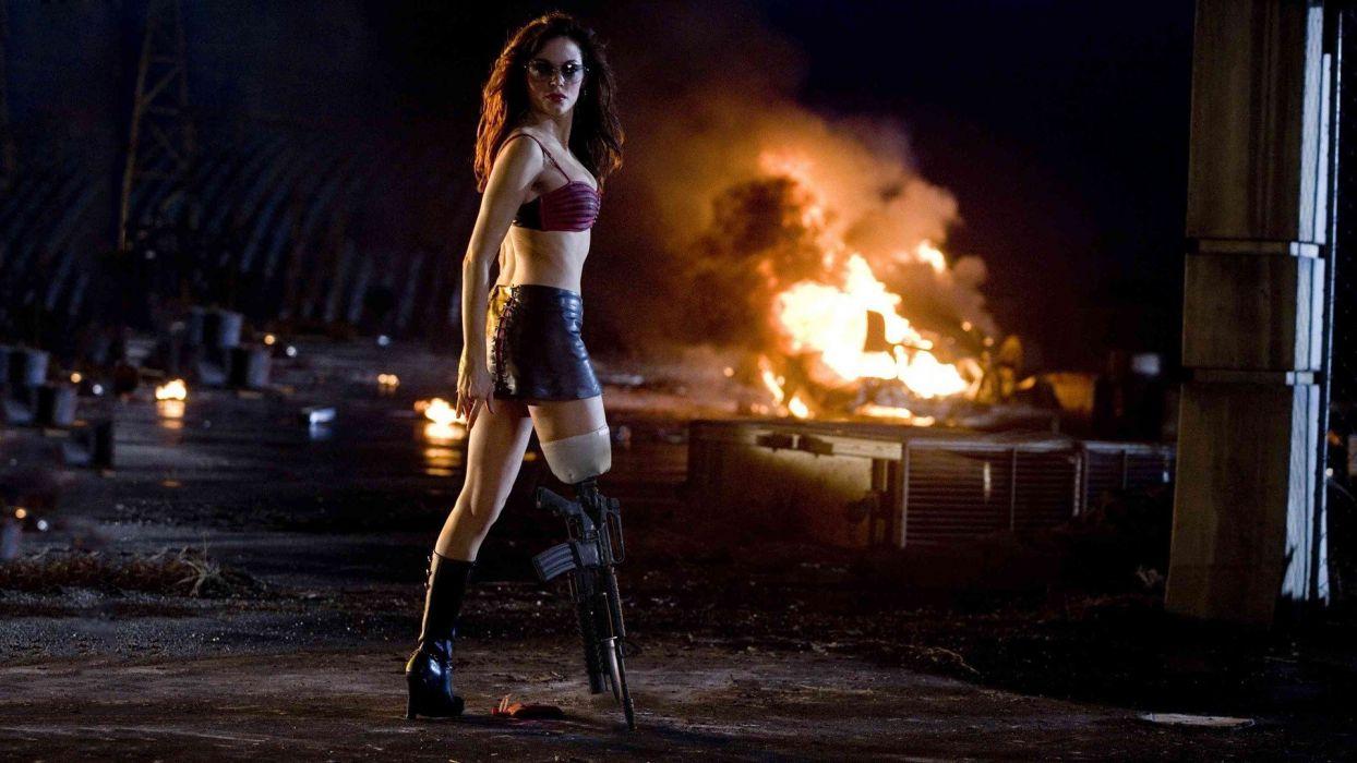 HORROR planet-terror-Rose Mcgowan-movie-leg-gun wallpaper