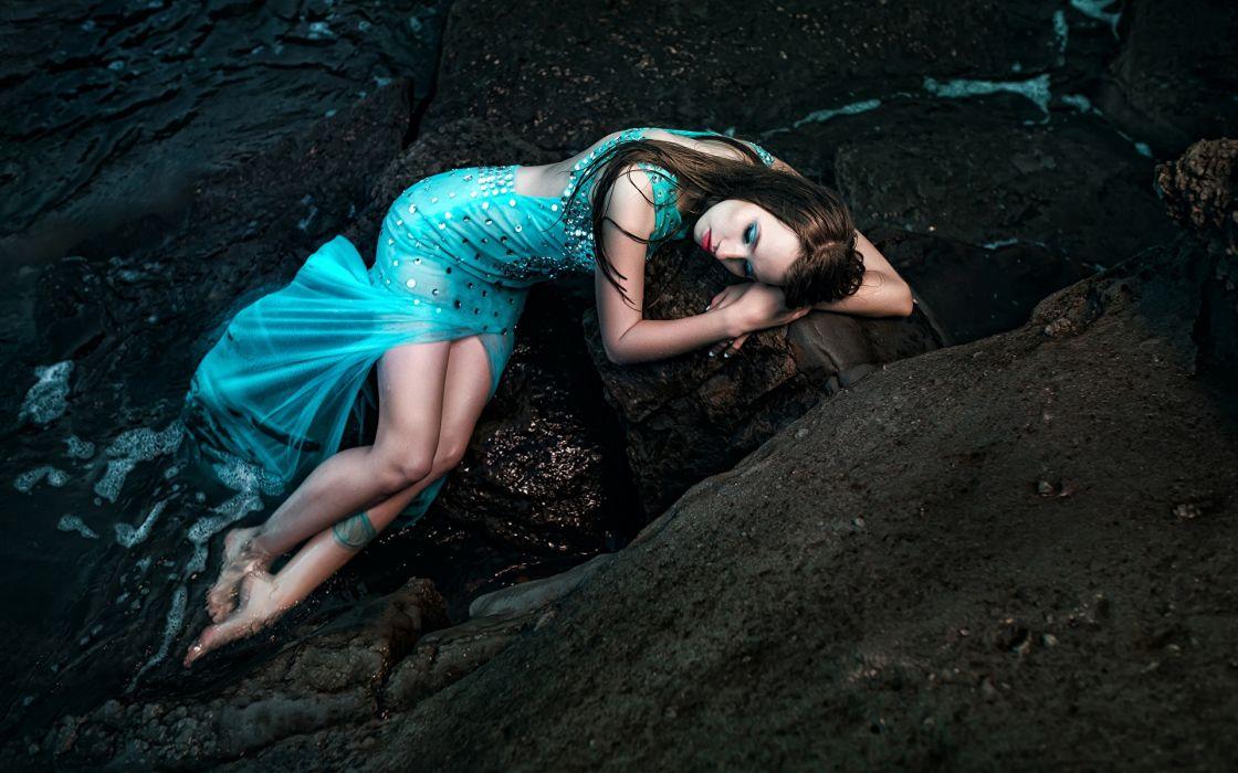 PHOTOGRAPHY girls-sexy-brunette-stones-water wallpaper