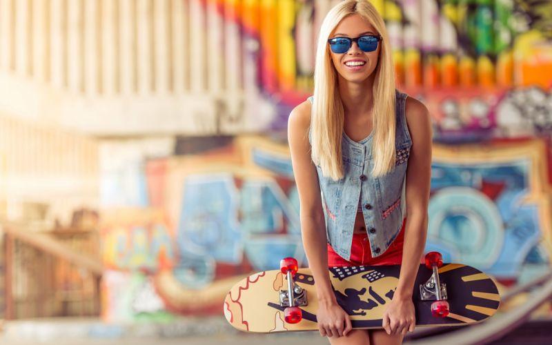 SPORTS girls-sexy-blonde-skateboard-radical-glass wallpaper
