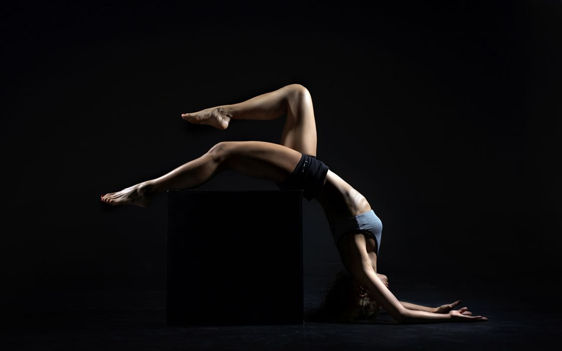 SPORTS gymnastics-girls-exercise-stretching-legs-brunette-cube wallpaper