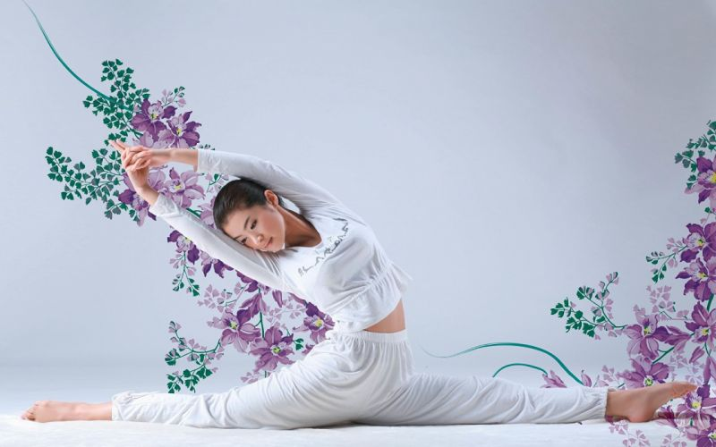 SPORTS gymnastics-girls-exercise-stretching-legs-flowers wallpaper