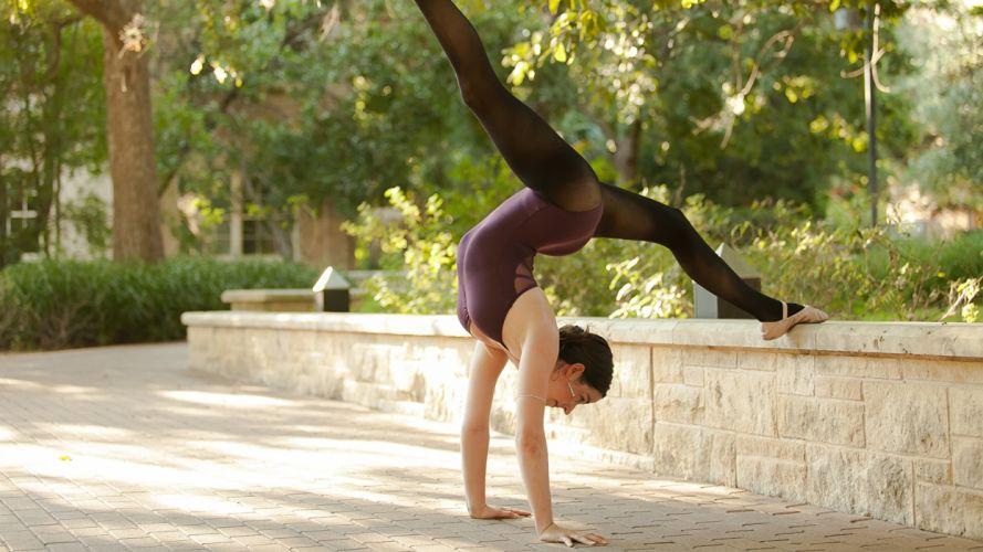 SPORTS gymnastics-girls-exercise-stretching-legs-brunette wallpaper