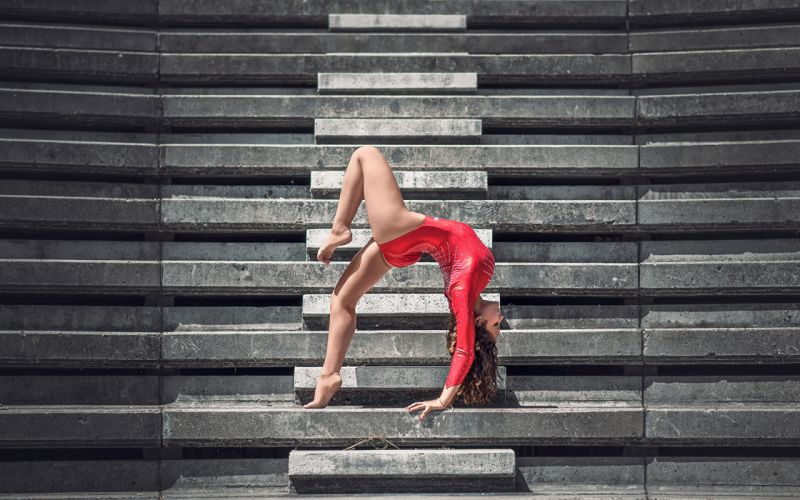 SPORTS gymnastics-girls-exercise-stretching-legs-ladder wallpaper