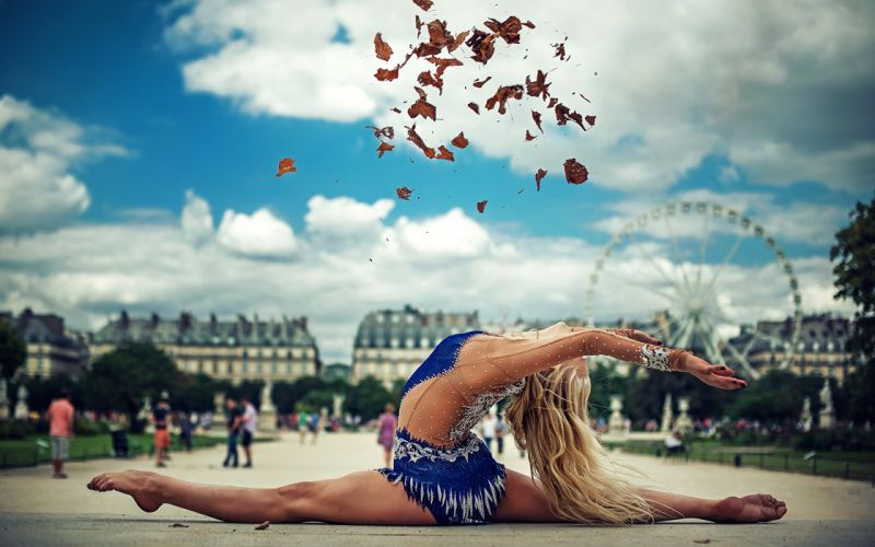 SPORTS gymnastics-girls-exercise-stretching-legs-leaf wallpaper