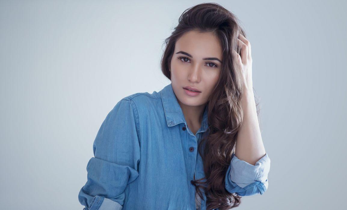 Madina model girl beautiful brunette pretty cute beauty sexy hot pose face eyes hair lips smile figure wallpaper