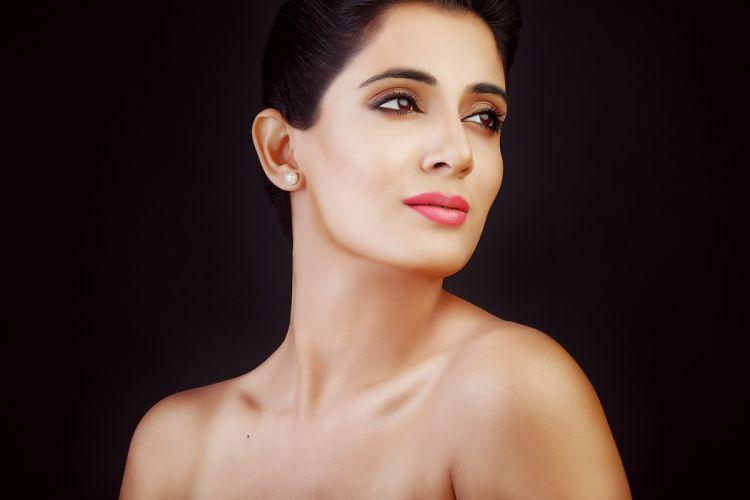 Ruchita Tahiliani bollywood actress celebrity model girl beautiful brunette pretty cute beauty sexy hot pose face eyes hair lips smile figure indian wallpaper