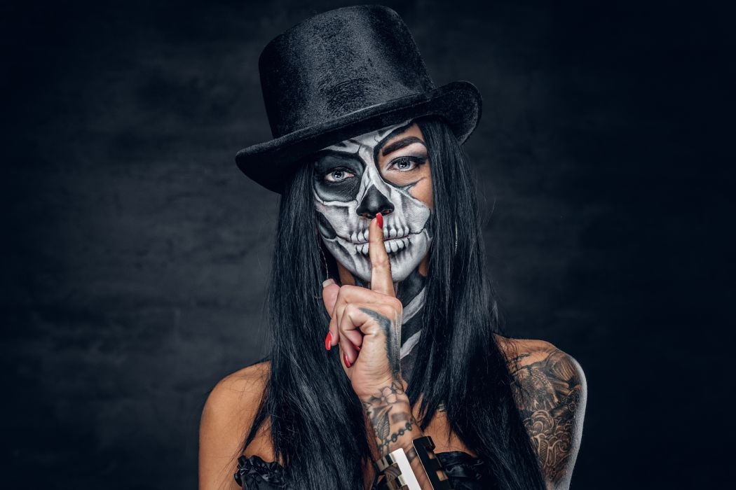 Faces girls-women-holidays-dead-tattoos-makeup-hat-forefinger-silence wallpaper