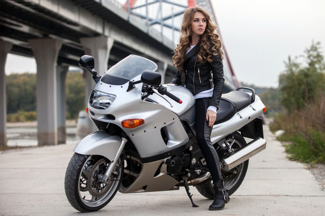 Motorcycle Girl Wallpaper: Women & Machines Girls-blonde-motorcycle-motorcyclist
