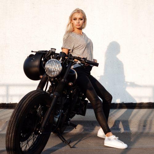 Women & Machines girls-blonde-motorcycle-motorcyclist-tshirt-shoes wallpaper