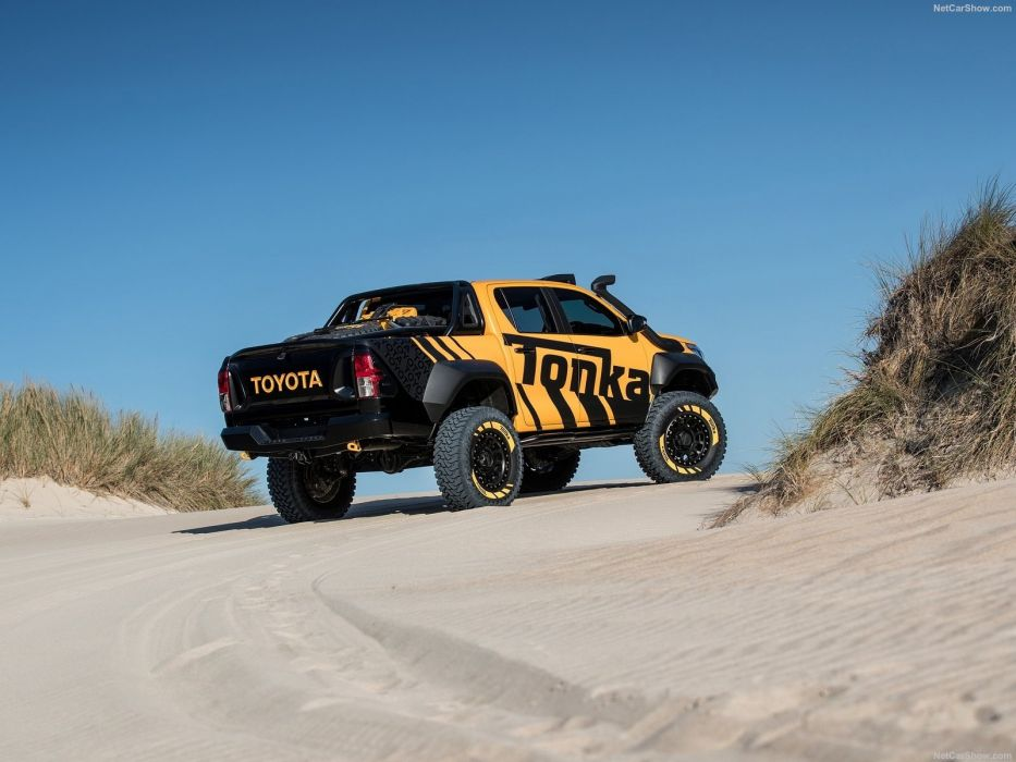 Toyota HiLux Tonka pickup truck Concept 2017 wallpaper