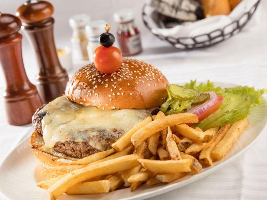 hamburguesa patatas fritan tomate comida wallpaper