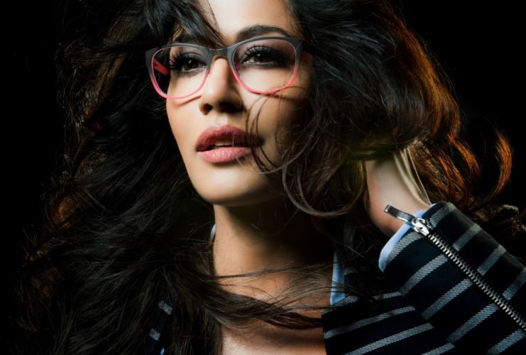 Chitrangada Singh bollywood actress celebrity model girl beautiful brunette pretty cute beauty sexy hot pose face eyes hair lips smile figure indian wallpaper