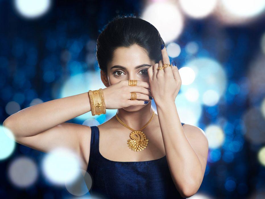 priya bapat bollywood actress celebrity model girl beautiful brunette pretty cute beauty sexy hot pose face eyes hair lips smile figure indian wallpaper