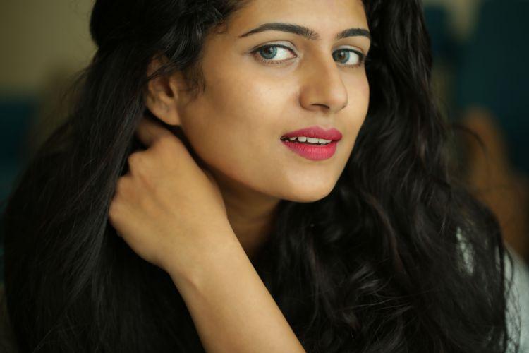 Actress-Yamini-Stills-5 wallpaper