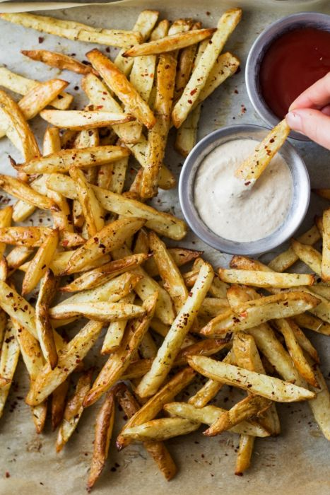 Rosemary Fries with Roasted Garlic Dip wallpaper