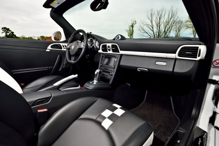 2011 Porsche 911 Speedster Convertible Supercar Exotic German -05 wallpaper