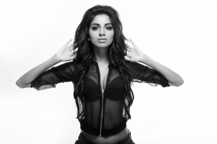 Sahitya Jagannathan bollywood actress celebrity model girl beautiful brunette pretty cute beauty sexy hot pose face eyes hair lips smile figure indian wallpaper