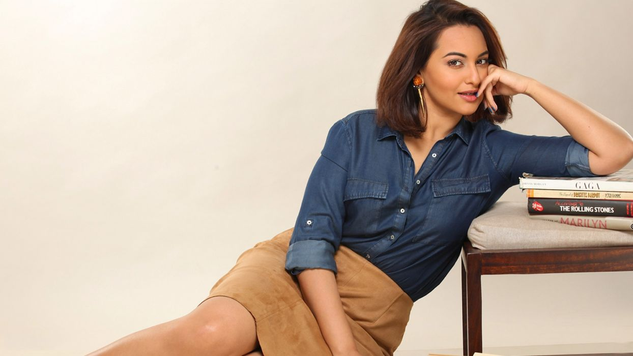 Sonakshi Sinha bollywood actress celebrity model girl beautiful brunette pretty cute beauty sexy hot pose face eyes hair lips smile figure indian wallpaper